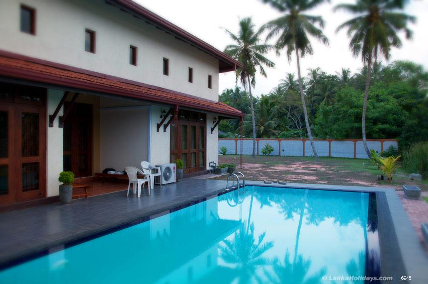 Negombo holiday Villa