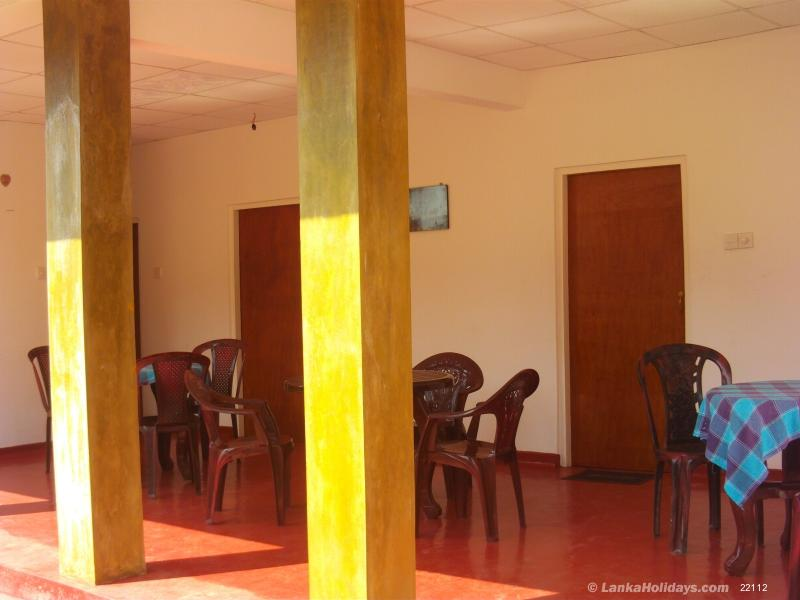 Negombo holiday Room
