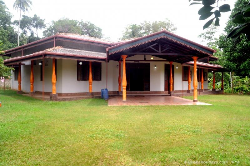 Hikkaduwa holiday Villa