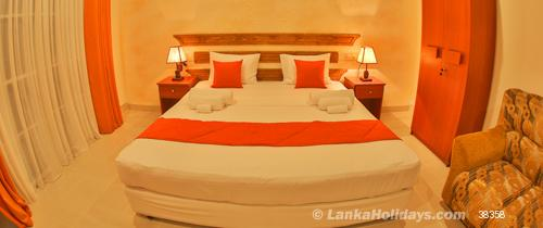Negombo holiday Hotel